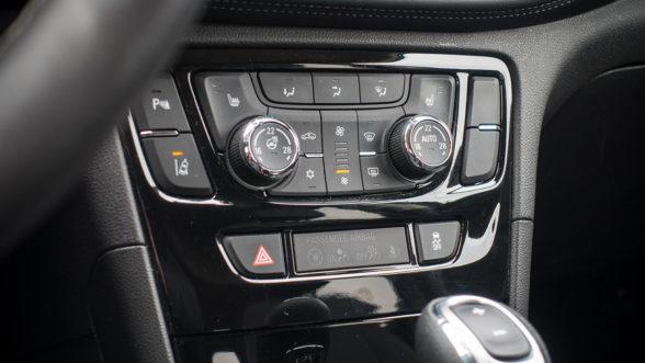 Opel Mokka X 2019 - klimatyzacja