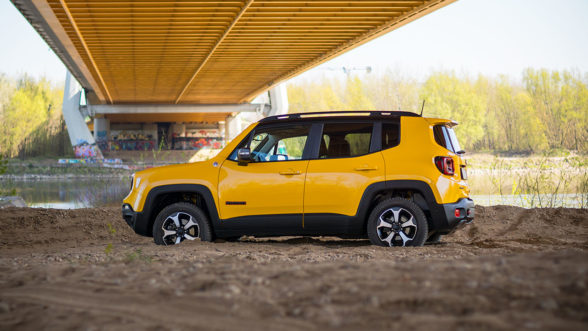 Jeep Renegade Trailhawk - piasek
